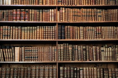 Libros que se enrollan más que las persianas con 100 páginas sin un solo punto
