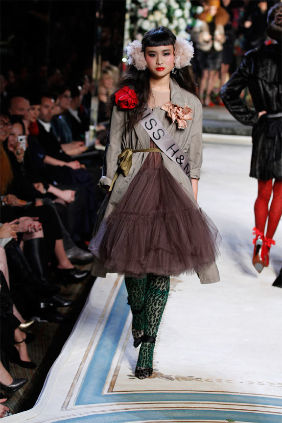 Foto de Lanvin y H&M, colección Alta Costura en un desfile perfecto: los mejores vestidos de fiesta (4/31)