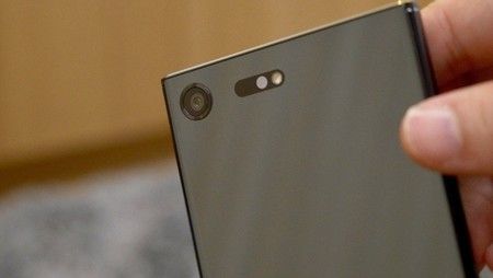 El Sony Xperia XZs costará 649 euros en Europa, pero no llegará a España