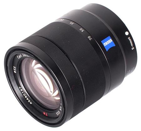 Sony ha «destapado» dos ópticas Zeiss muy interesantes con apertura f/2.8: 24-70 mm y 16-35 mm