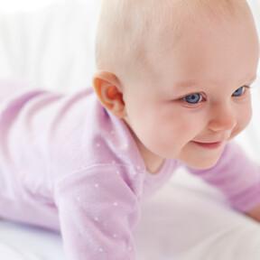 Siete sprays para controlar el picor en la piel de niños con dermatitis