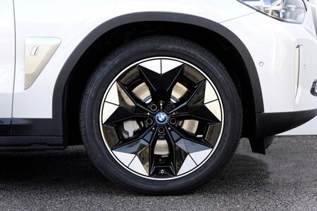BMW iX3 Prueba llantas