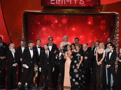 Estrellas invitadas (349): premios Emmy, crisis en Netflix, 'BrainDead' y más