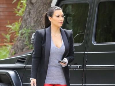 Duelo de horrores: Kim, diablesa, Kardashian vs Mischa, monjil, Barton