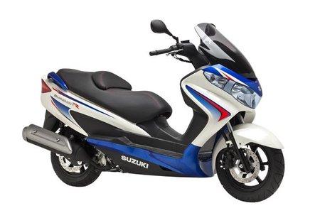 Suzuki promociona el Burgman, si no tienes uno es porque no quieres