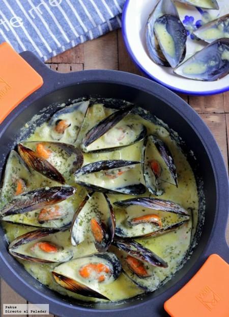Mejillones con crema y apio: sabor y textura en una fácil receta