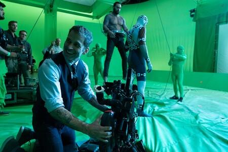 """Zack Snyder desvela que su 'Liga de la Justicia' termina con """"un enorme cliffhanger"""" y cuáles eran sus planes de futuro para la saga tras ese final"""