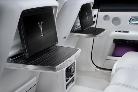 Rolls Royce Ghost 2021 13