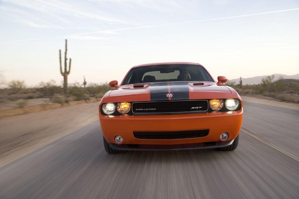 Foto de Dodge Challenger SRT8 (33/103)