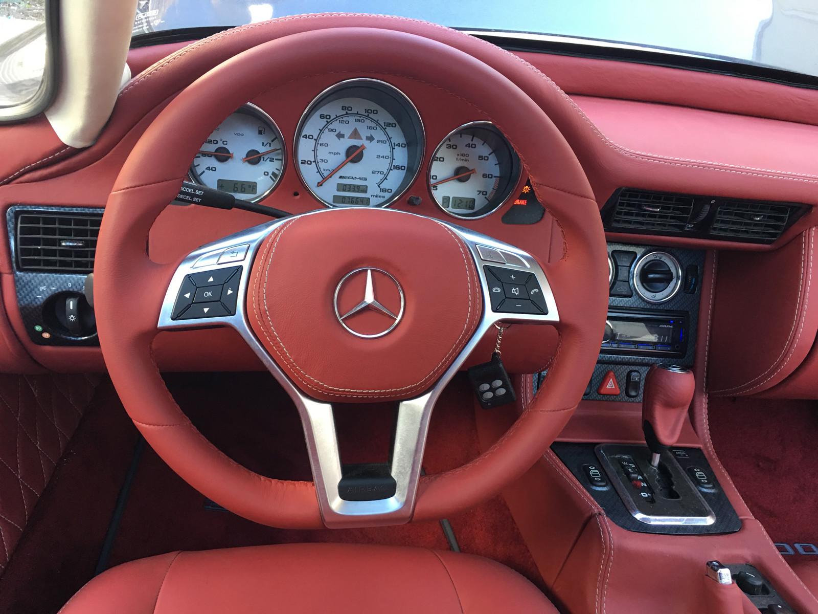 Foto de Réplica Mercedes-Benz 300 SL Gullwing base SLK AMG (2/10)