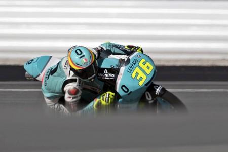 Joan Mir rompe el maleficio de Moto3 y se regala una victoria desde la pole en Malasia