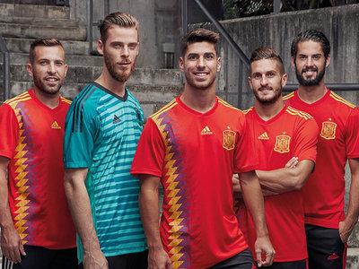España, por fin republicana: Adidas se lía con los colores en la nueva camiseta de la selección