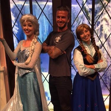 Los Beckham se pasean por Disneyland