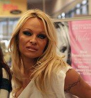 Pamela Anderson al confesionario...te toca nominar