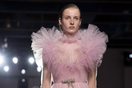 Así es el vestido de Giambattista Valli Alta Costura que se acaba de presentar y que Paula Echevarría ya lució hace justo un año