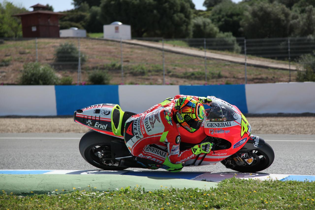 Las imágenes de Valentino Rossi sobre la Ducati Desmosedici GP12