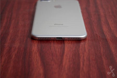 El iPhone 8 le dirá adiós al puerto Lightning para dar paso a un USB Type-C, según WSJ