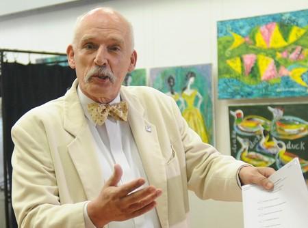 No, Janusz Korwin-Mikke, los problemas demográficos europeos no se solucionan con las mujeres quedándose en casa