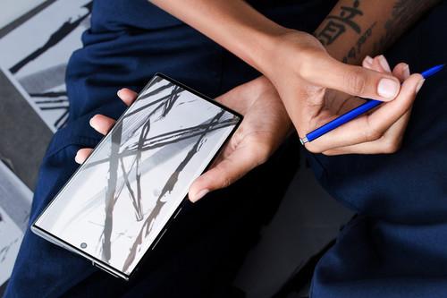 """Es la primera vez que un Samsung Galaxy Note no sube de precio en México, pero también la primera vez que """"pierde"""" características"""