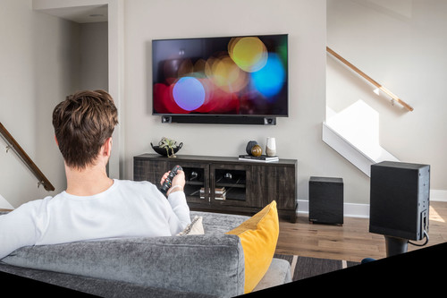 ¿Quieres mejorar el pobre sonido de tu televisor? Te proponemos cinco barras de sonido para montarte un cine en casa de altura
