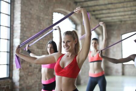 11 chollos en tallas sueltas de ropa deportiva para mujer en Amazon: Adidas, Nike y Puma a mejor precio