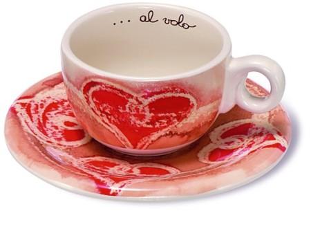 San Valentín: tazas con corazones, perfectas para el café de la sobremesa