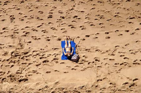 El fin del topless: ha desaparecido de las playas frente a la reivindicación nudista de Instagram