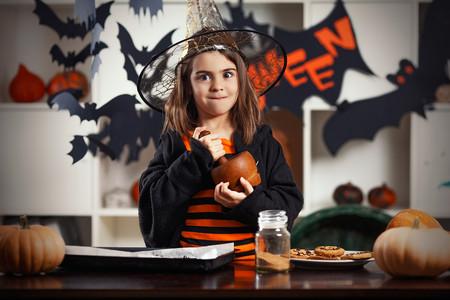 16 recetas de Halloween fáciles y rápidas para pasarlo de miedo cocinando con niños