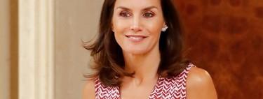 La Reina Letizia nos sorprende con su look más veraniego