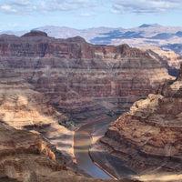 Ahora puedes deslizarte por el Gran Cañón del Colorado en tirolina