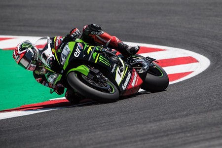 Jonathan Rea consigue un emotivo doblete en San Marino con dedicatoria a William Dunlop