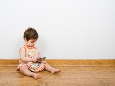Con todos ustedes: la próxima generación de adultos con problemas cervicales por culpa del móvil