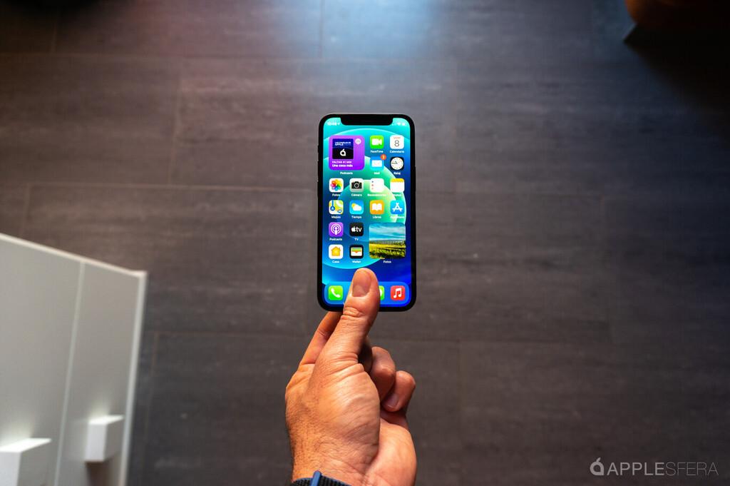 El iPhone doce mini sigue flojeando y apunta a alguna menor adopción en Europa y EEUU, según diversos analistas