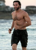 Hugh Jackman, sin ser gay, niega que no lo sea