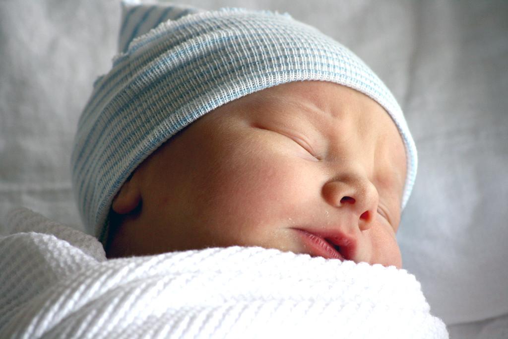 Por qué el gorro para los recién nacidos tiene sentido solo para las fotos 044467d0d0e
