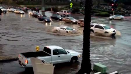 El Lamborghini Gallardo submarino, protagonista de las inundaciones en California