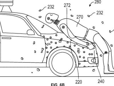 Google experimenta para que te quedes pegado al cofre de un auto en caso de que te atropellen