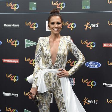 El moño de bailarina de Paula Echevarría en los 40 Principales Music Awards 2017 puede inspirarte estas navidades
