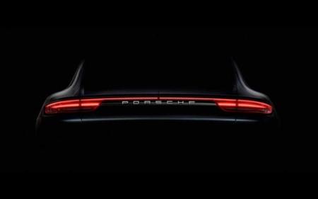 Porsche nos sigue tentando con la siguiente generación del Panamera en teaser