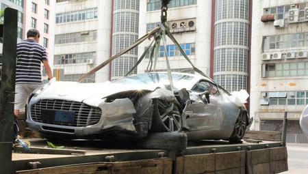Dolorpasión™: Aston Martin One-77 que pasa a dejar One-76