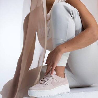 Fichamos las mejores ofertas de la semana del Black Friday en Nike: 21 chaquetas, sudaderas y zapatillas rebajadísimas durante 24 horas
