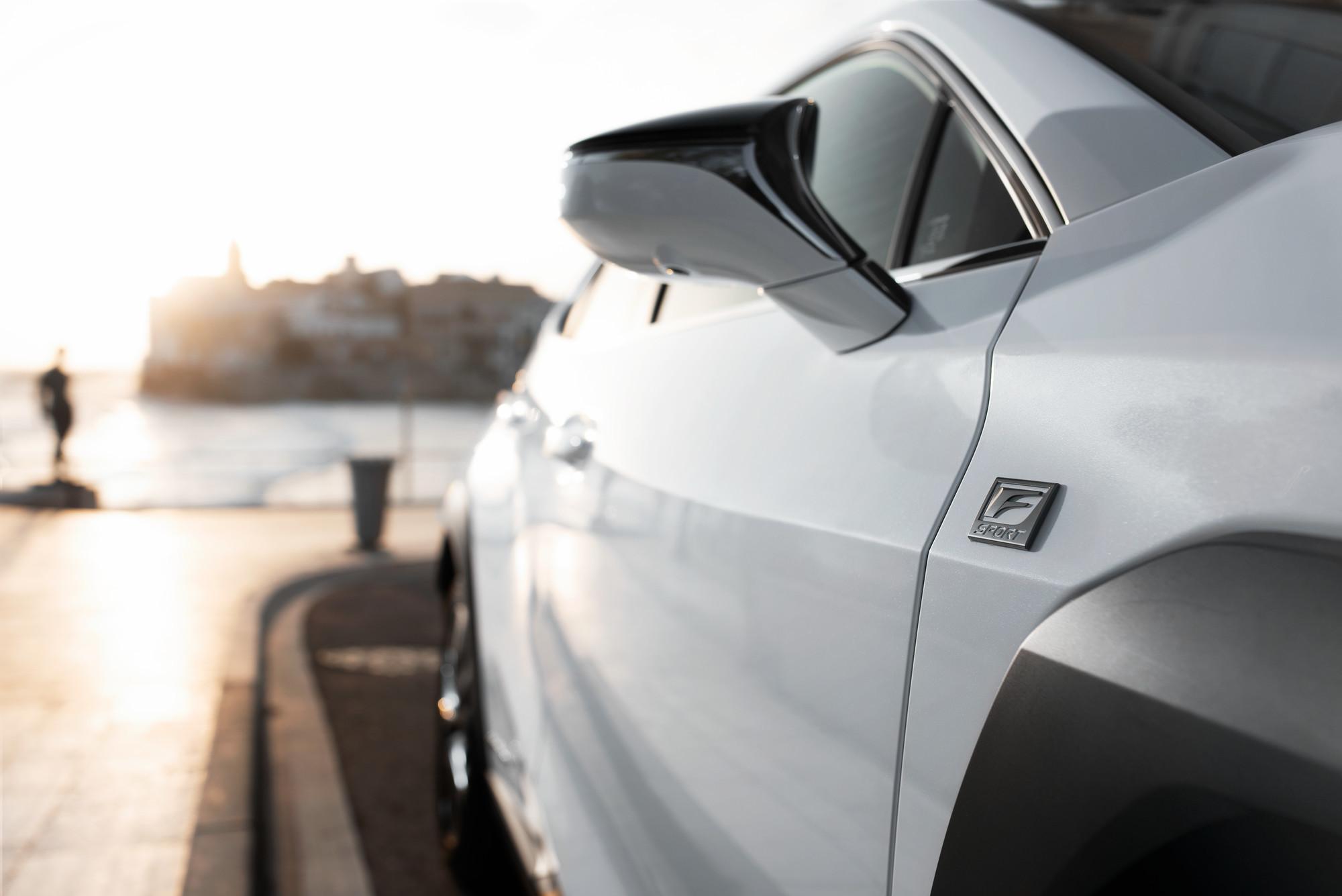 Foto de Lexus UX 250h 2019 (83/130)
