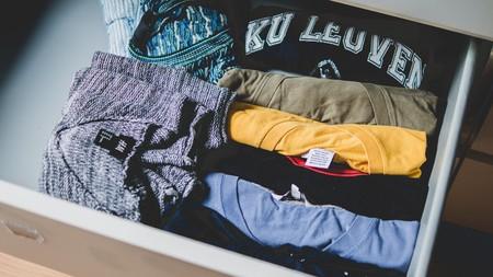 Chollos en tallas sueltas de pantalones, camisetas y chaquetas de marcas como Lee, Pepe Jeans o Jack & Jones en Amazon