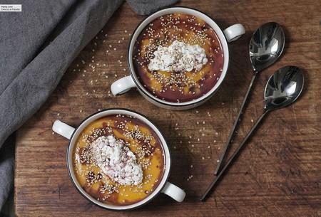 Crema de calabaza con queso Cottage, sésamo y reducción de Oporto, receta deliciosa para preparar todo el año