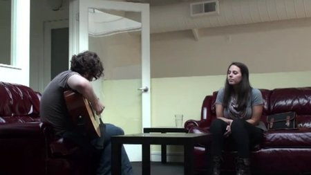 "Darren Korb y Ashley Barrett ('Bastion') tocando en directo ""Build that wall"" y ""Setting sail, coming home"". Magia pura"