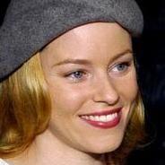 Elizabeth Banks protagonizará el remake de 'Dos Hermanas'