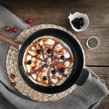 Hacer pizza sin horno es posible y os enseñamos cómo, vídeo receta