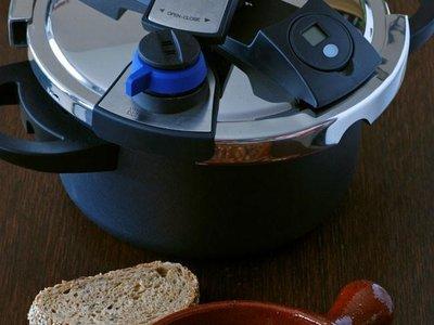 Así puedes lograr platos de cuchara más sanos y 17 recetas para ponerlo en práctica