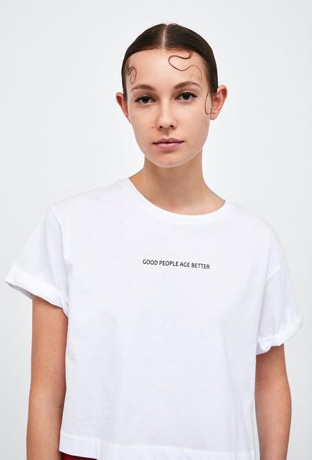 Zara se marca un Alexander McQueen y se inspira en uno de sus peinados más míticos vistos en pasarela