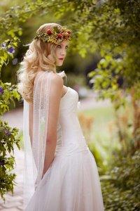 Peinados de novia 2012: ¿te atreves con una melena suelta?
